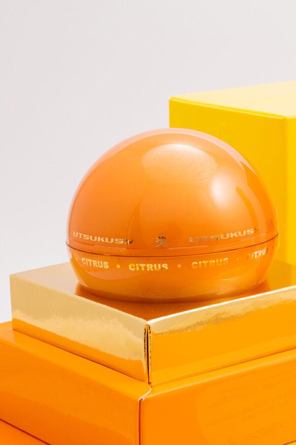 crema facial de uso diario con vitaminas y alto contenido de vitamina C
